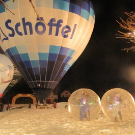 sulla neve con le mongolfiere !